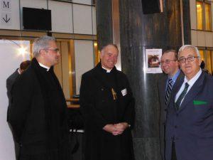 Civitas installe une crèche au Parlement Européen et la fait bénir par Mgr Fellay