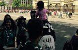 Le drapeau de l'Etat Islamique arboré devant le Parlement britannique !