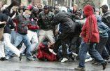 Une horde barbare de 30 «jeunes» lynche un  homme et prend la gendarmerie d'assaut