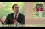 Le banquier Emmanuel Goldstein, homosexuel et franc-maçon, n'aime pas que cela se sache