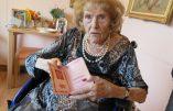 Une Russe blanche immigrée en 1920 en France a retrouvé, au Kremlin, son passeport russe pour ses 100 ans.