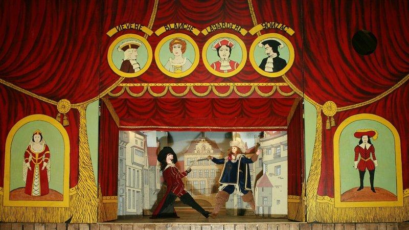 Theatre-royal-de-Toone