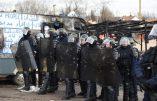 Calais : ces «gentils immigrés» affrontent les CRS