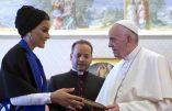 Samedi matin 4 juin 2016, le pape François a reçu en audience privée, au Palais apostoliques, Mozah bint Nasser al-Missned, la deuxième des trois épouses du cheikh Hamad bin Khalifa al-Thani, l'ancien émir du Qatar
