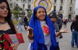 Une prostituée candidate d'extrême gauche aux élections se grime en Vierge Marie pour défiler à la gay pride