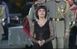 Mireille Mathieu très politiquement correcte sauf avec le Bon Dieu