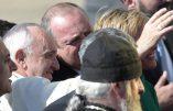 Le pape fraîchement accueilli par les Géorgiens