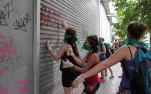 argentine-pro-avortement-graffitis-MPI