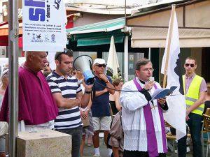 ajaccio_procession_vs_piss_christ_2