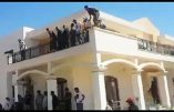 Des islamistes libyens se baignent dans la piscine d'une annexe de l'ambassade US à Tripoli