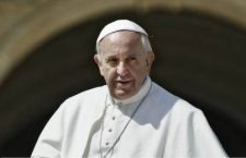 pape-francois-exterieur_mpi