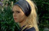 """Dans """"Présent"""", Brigitte Bardot s'indigne à nouveau de l'expulsion de l'église Sainte Rita"""