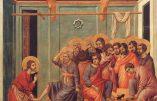 Geste révolutionnaire de François : les 12 hommes représentant les apôtres au lavement des pieds du Jeudi Saint pourront être des femmes