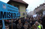 """Hongrie: échec de la désobéissance civile prônée par le mouvement """"Je veux enseigner"""" contre le programme éducatif du gouvernement"""