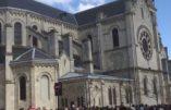 Ostension de la Sainte Tunique du Christ à la basilique Saint-Denys d'Argenteuil : le reportage d'ERTV