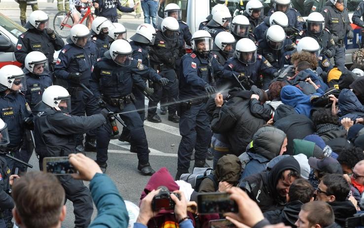 police-frontiere-autriche-vs-noborders-2