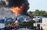 Affrontements sauvages à Calais entre des centaines d'Afghans et de Soudanais: une soixantaine de blessés