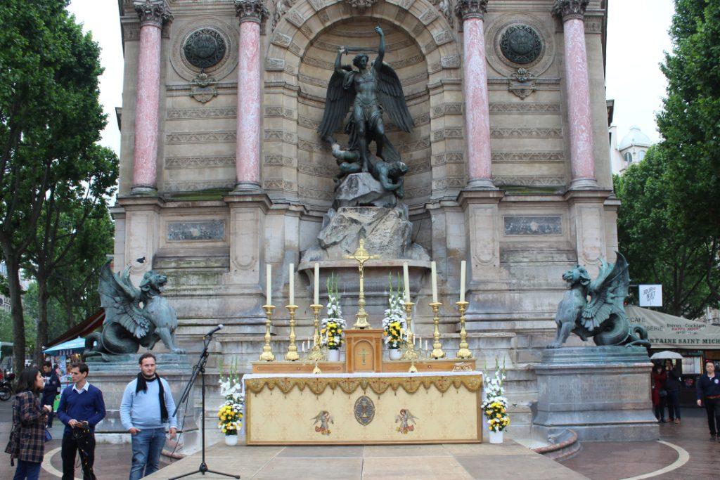 fetedieu2016-8-Fontaine St Michel