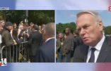 Le ministre des Affaires étrangères Jean-Marc Ayrault se ridiculise en direct à la télé