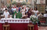L'Église en mode arc-en-ciel : un couple de lesbiennes béni dans une église de Palerme