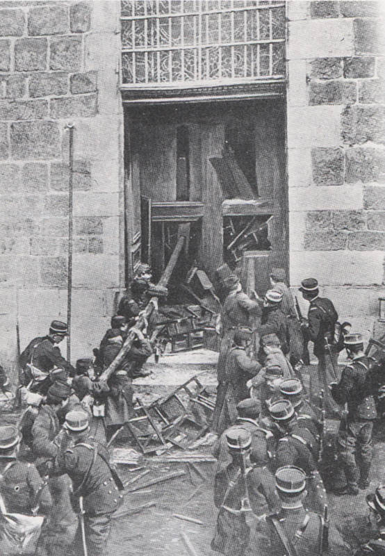 1905-2-armee-enfonce-portes-eglises