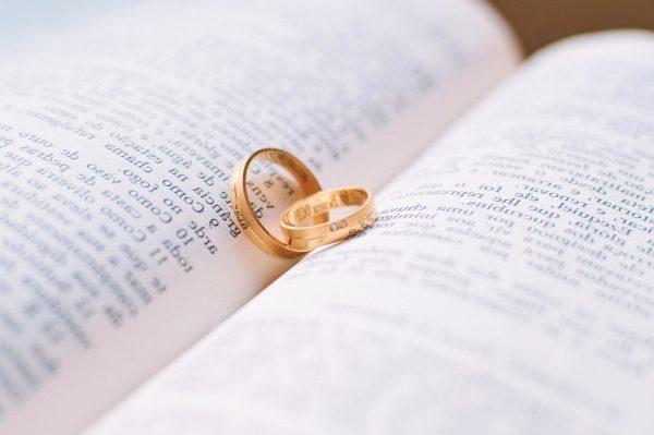 Les évêques polonais refusent la communion aux divorcés remariés civilement