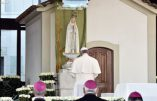 Le pape à Fatima ne parle ni de la Russie, ni du communisme, ni de la dévotion des premiers samedi du mois, ni de pénitence ni de sacrifices…