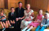 """Potentiel futur ministre, le député catholique Jacob Rees Mogg réaffirme son opposition à l'avortement et au """"mariage"""" homosexuel"""