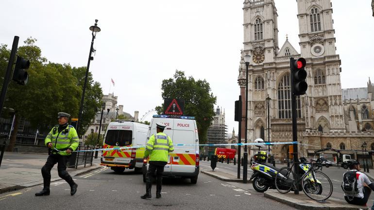 londres : présumée attaque terroriste à côté de westmnister – medias