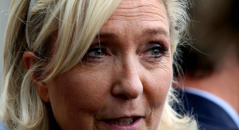 Crise diplomatique entre l'Italie et la France : Marine Le Pen accuse Macron d'«utilisation politicienne»
