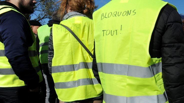 Gilets jaunes: «Cessez de traiter les gens qui ne vous ressemblent pas de fascistes, vous participez au climat délétère»
