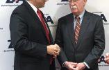 John Bolton avec l'ambassadeur d'Israël lors du dîner de l'Organisation Sioniste d'Amérique (ZOA)