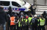 Acte VI – A Montmartre, des Gilets Jaunes chantent la quenelle…