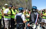 """A La Réunion, les Gilets Jaunes réclament """"l'abolition de la franc-maçonnerie"""""""