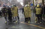 CRS repeints en jaune à Paris ce 1er décembre
