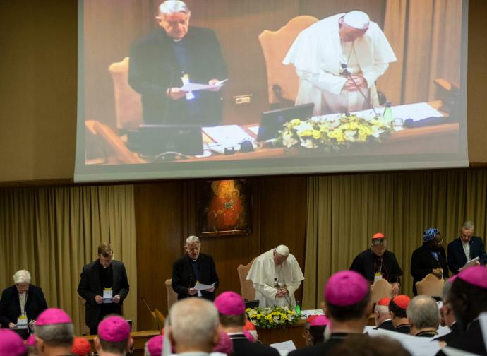 Sommet chez le Roi de Sodome - Page 2 Pape-francois-abus-sexuel