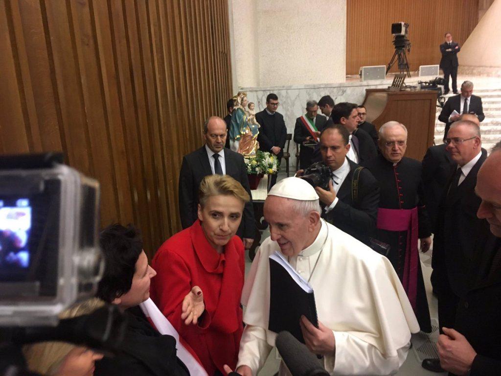 Sommet chez le Roi de Sodome Pape-francois-polonaise-abus-sexuel-1024x768