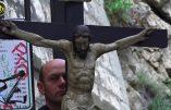 Reportage – Le chemin de croix des pénitents d'Avignon