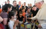 """En Roumanie, le pape François décline l'émigration comme """"un pèlerinage"""""""