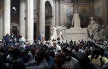 Des immigrés clandestins occupent le Panthéon en toute impunité
