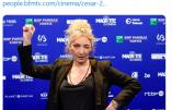 """Le secret était bien gardé : Corinne Masiero révèle que le cinéma est dirigé par """"des bourgeois hétéros catholiques blancs de droite"""""""