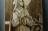 Sainte Hildegarde de Bingen (pyrogravure)