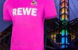 Allemagne soumise à l'islam et aux Lgbtqi : mosquée sur le maillot de foot rose fushia
