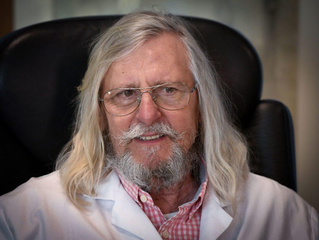 Le professeur Raoult empêché d'user de l'hydroxychloroquine ? Une décision gouvernementale qui pénalise les malades dans crise professeur-Didier-Raoult-dirige-lIHU-Mediterranee-Marseille-1024x771